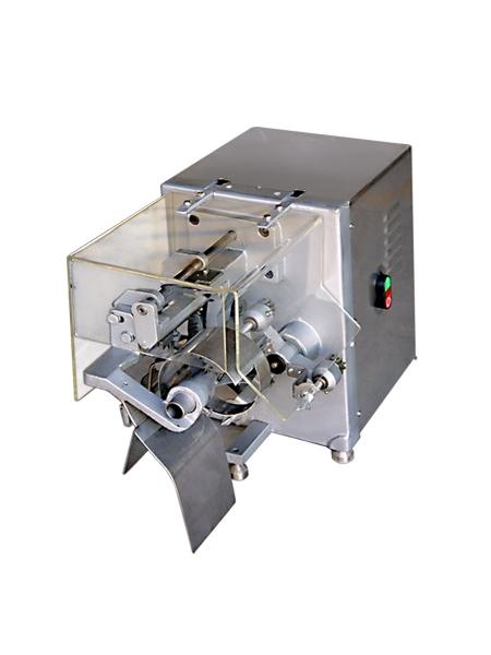 Машина для очистки кожуры и удаления сердцевины и порезки на дольки яблок APSDM-6